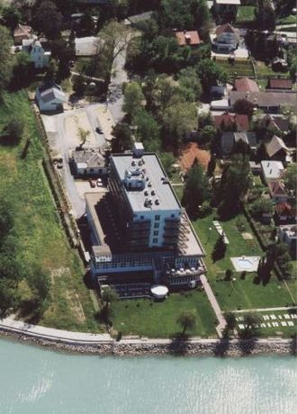 Balatonvilágos - Image: Waberer's Club Hotel (a volt Hotel Frida Family ***). Balatonvilágos, Zrínyi utca 135