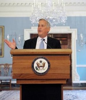 Walter Isaacson - Isaacson at a State Department briefing in 2008
