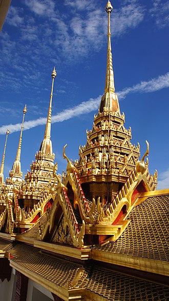 Wat Ratchanatdaram - Image: Wat Ratchanatdaram 01