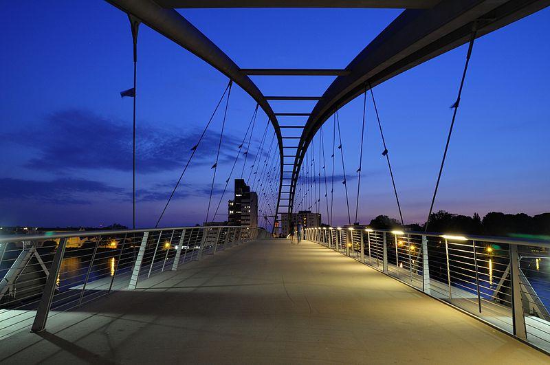 File:Weil am Rhein - Dreiländerbrücke8.jpg