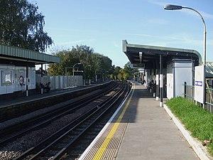 West Harrow tube station - Image: West Harrow stn look west