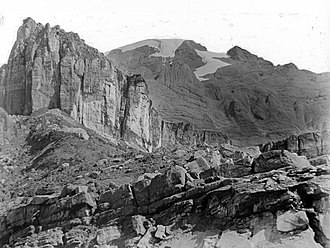 Puncak Trikora - Wilhelmina Top (Puncak Trikora), 1913 from south by P. F. Hubrecht