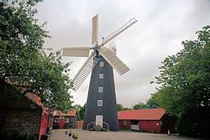 Burgh le Marsh - Image: Windmill at Burgh Le Marsh geograph.org.uk 216370