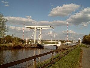 Nieuwkoop - Image: Woerdense Verlaat, ophaalbrug 2007 04 18 17.32