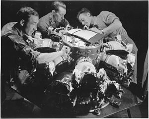 Pratt & Whitney R-2800 Double Wasp - Workers assembling the cylinders on an early production R-2800: this was either a training session or a test assembly of a pre-production engine.