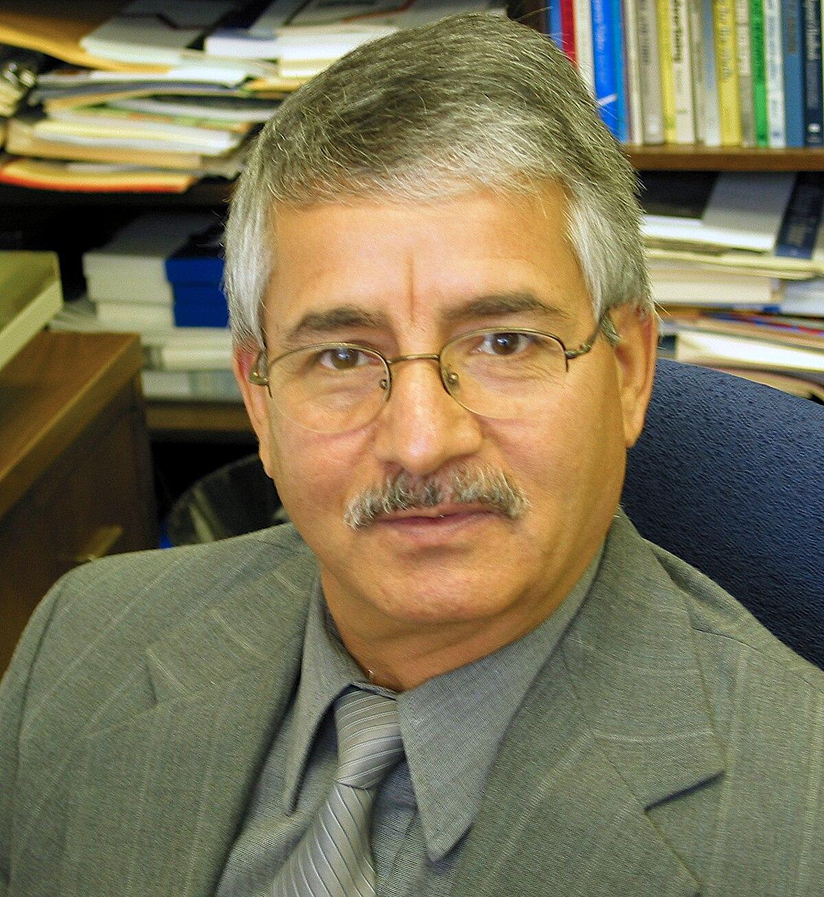 Yahya R. Kamalipour httpsuploadwikimediaorgwikipediacommonsthu