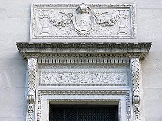 Berzelius (secret society) - Detail of entryway ornamentation. Berzelius Society symbol depicted within shield.