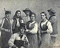 Zygmunt Ajdukiewicz Trachten der Trachtentypen von Krakowiaken und Goralen -in- Die österreichisch-ungarische Monarchie in Wort und Bild - Galizien Wien 1898 S. 271.jpg