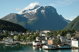 Åndalsnes from the sea.jpg