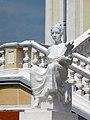 Марьино Дворец Скульптура на лестнице (фото 1) Рыльский район 2019.jpg