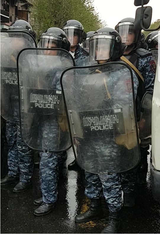 Ոստիկանության իրավապահ մարմինները Կոմիտասի պողոտայում, ապրիլի 20, 2018 (2)