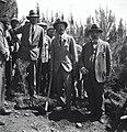 הנציב העליון ארתור ווקופ נוטע עץ ביער בלפור בגבעת שימרון בעמק יזרעאל. מימינו מנחם אוסישקין משמאלו יו-JNF037282.jpeg