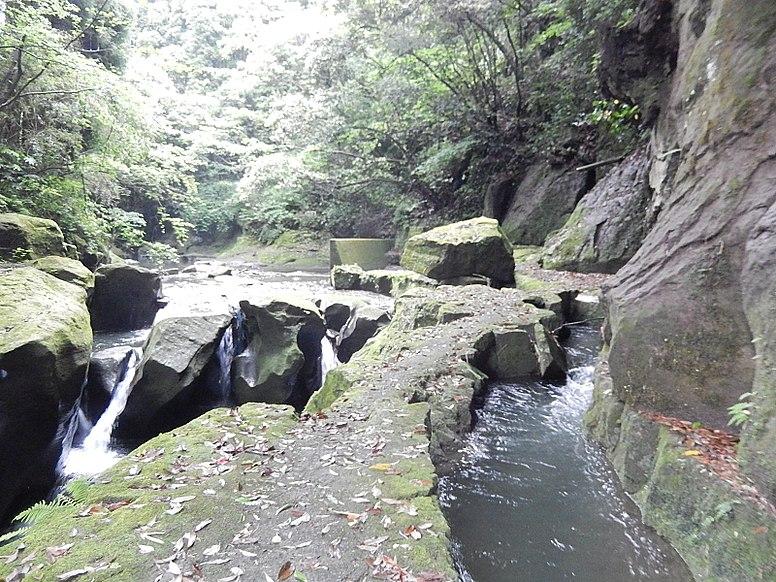関吉の疎水溝1