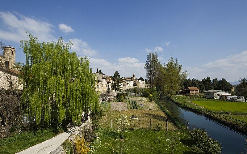 File:06031 Bevagna PG, Italy - panoramio (19).jpg
