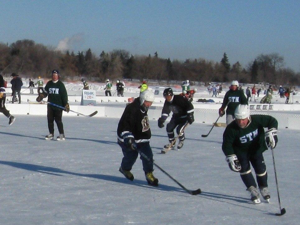 09 MN pond hockey