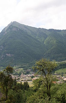 0 Taninges - Village - Pic de Marcelly (2).JPG