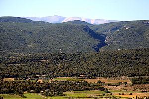 Mont Ventoux - Mont Ventoux as seen from Roussillon