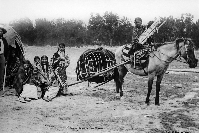 800px-1890_Huffman_Indian_Children_and_T