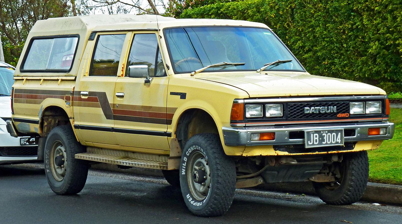 1280px-1983-1984_Datsun_720_4WD_4-door_u