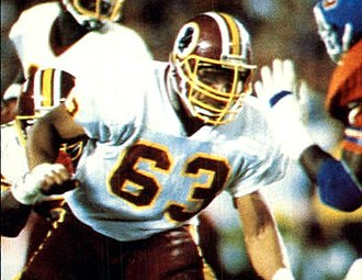 Super Bowl XXII - Redskins guard Raleigh McKenzie covering an opponent on the Broncos during Super Bowl XXII.