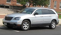 2004-2006 Chrysler Pacifica Touring.jpg