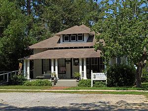 Foley, Alabama - Image: 200 W Orange Ave Foley Sept 2012