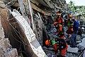 2010년 중앙119구조단 아이티 지진 국제출동100118 중앙은행 수색재개 및 기숙사 수색활동 (242).jpg