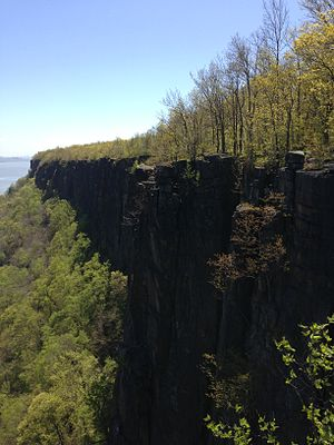 Alpine, New Jersey - View south along the Palisades from Ruckman's Point in Palisades Interstate Park