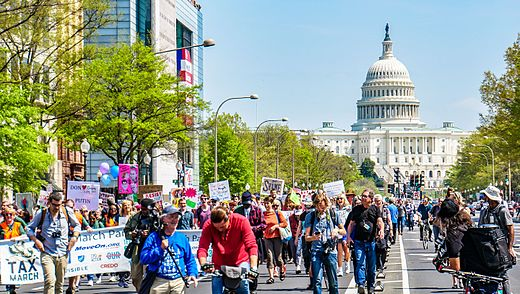 2017.04.15 -TaxMarch Washington, DC USA 02377 (33674977530).jpg
