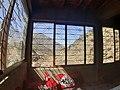 2 مكان استراحة بالقرب من مقام شمهروش ملك الجن.jpg