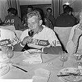 51ste Tour de France 1964, maaltijden Nederlandse ploeg Henk Nijdam, Bestanddeelnr 916-5764.jpg