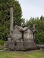 525846 Begraafplaats Elisabethstraat graftombe van familie Van Meeuwen.jpg