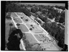 AERIAL VIEW OF GREENHOUSES AND GARDENS - Lyndhurst, Greenhouse, 635 South Broadway, Tarrytown, Westchester County, NY HABS NY,60-TARY,1B-11.tif