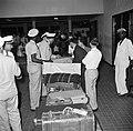 Aankomst in het stationsgebouw op vliegveld Hato op Curaçao, Bestanddeelnr 252-7699.jpg