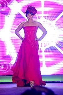 Aashka Goradia Fashion show for girl child 04.jpg