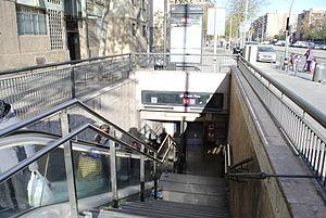 Sant Roc (Barcelona Metro) - A station entrance