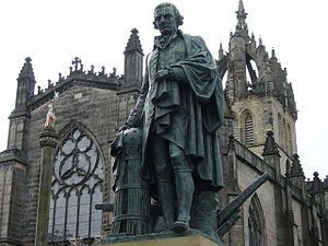English: Adam Smith statue in Edinburgh's High...