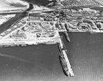 Aerial view of destroyers at San Diego in April 1941.jpg