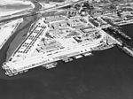 Aerial view of warships at San Diego in April 1941.jpg
