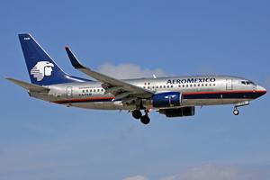 Aeroméxico Boeing 737-700 XA-PAM MIA 2011-2-2.png