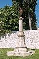 Aigues Mortes-Chapelle de Pénitents Gris-Croix de Confrérie-20140905.jpg