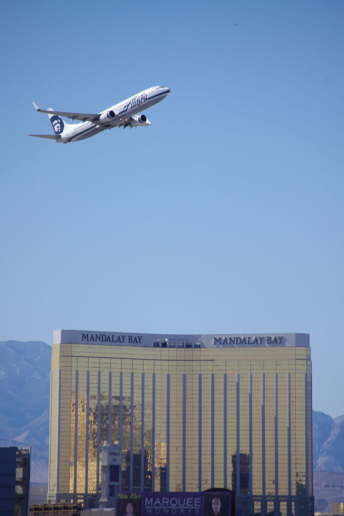 Mandalay Bay 2 Bedroom Suite: File:Alaska Airlines' Jet Fly Over The Mandalay Bay Hotel