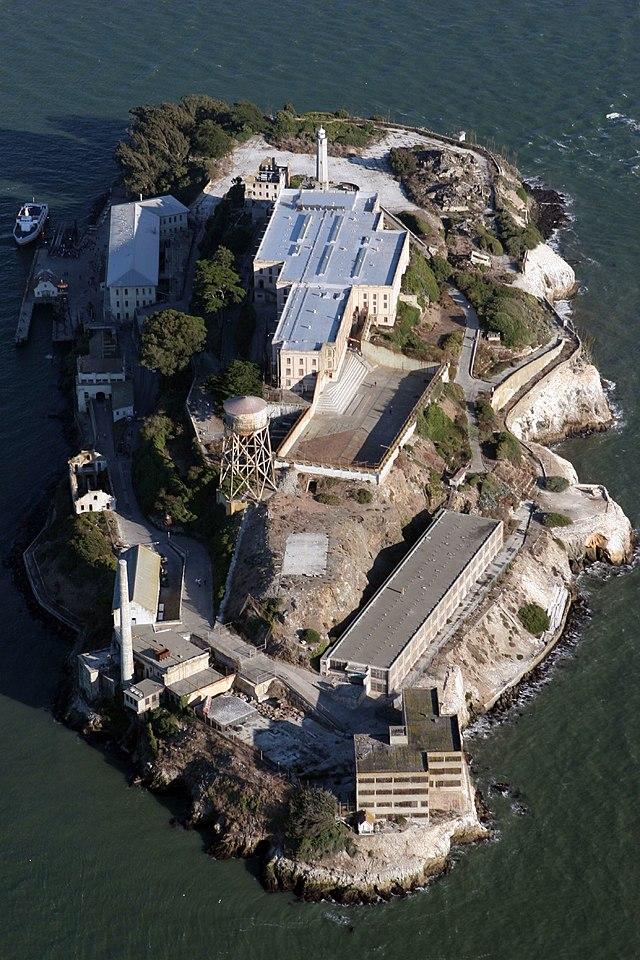 640px-Alcatraz_aerial.jpg