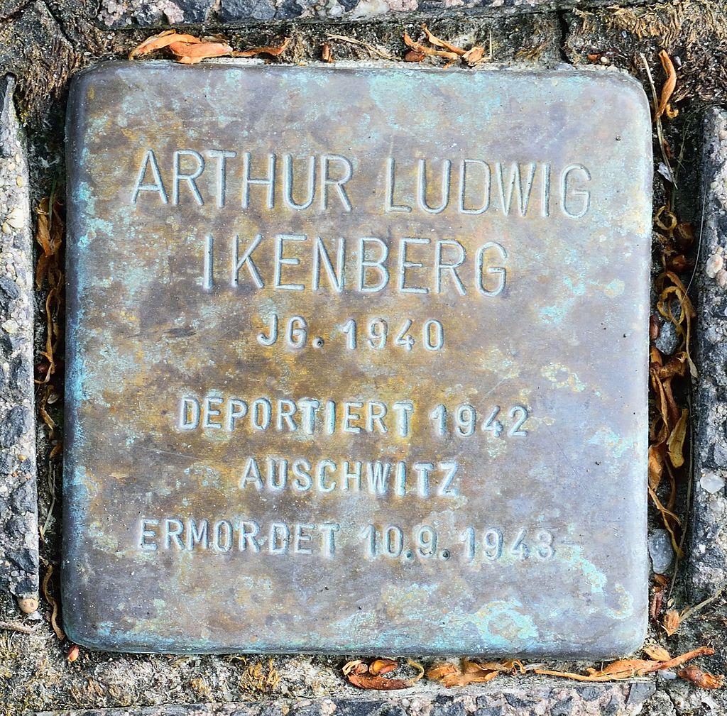 Altenbeken - 2016-05-29 - Stolperstein Arthur Ludwig Ikenberg.jpg