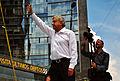Andrés Manuel López Obrador saludando - Marcha 22 de septiembre de 2013.jpg