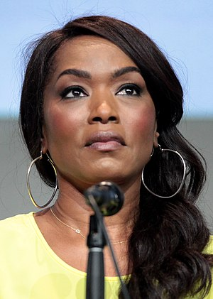 Angela Bassett - Bassett at the 2015 San Diego Comic Con International