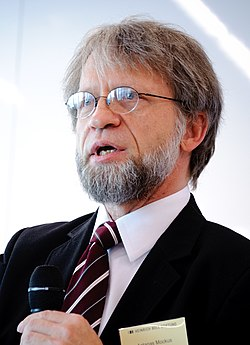 Antanas Mockus (3) (cropped).jpg