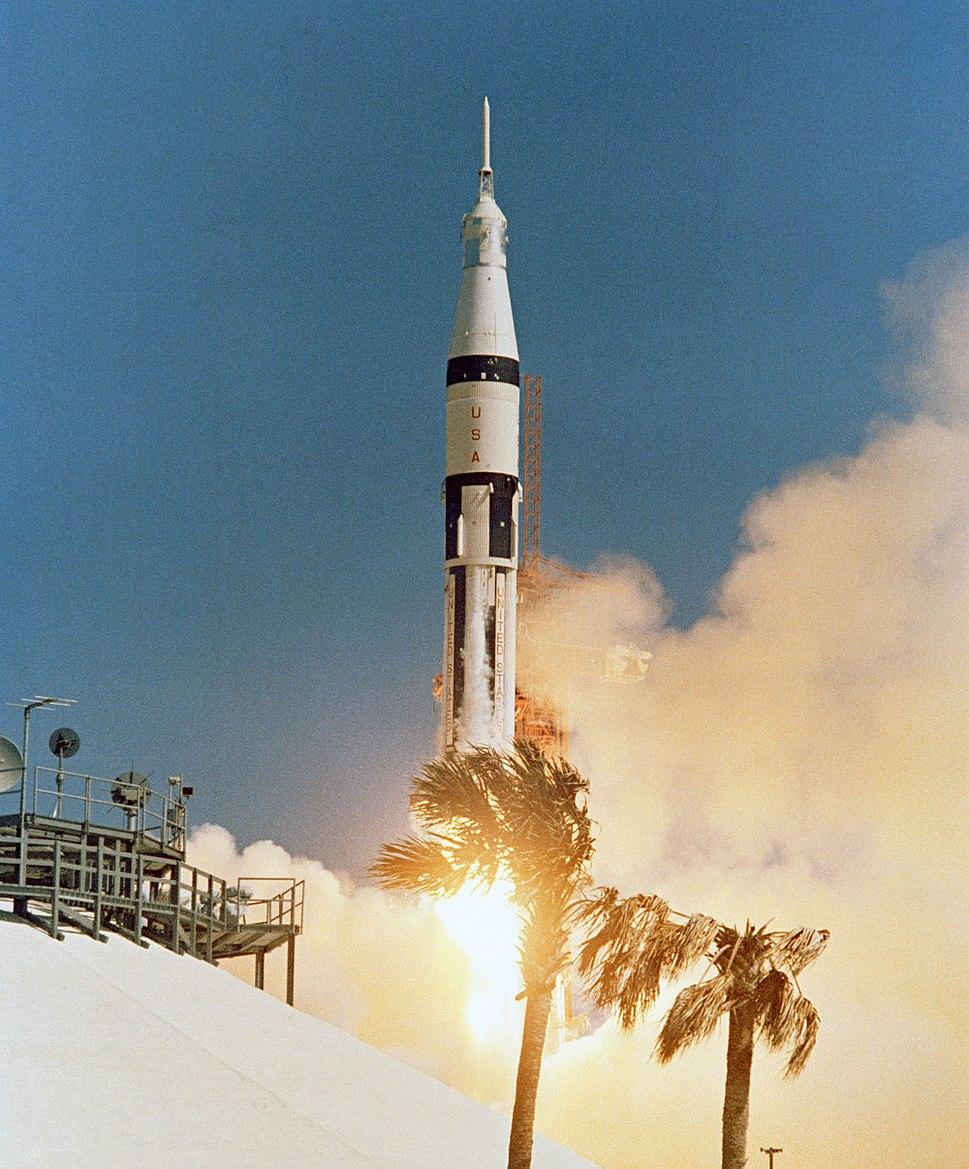 Apollo 7 launch2