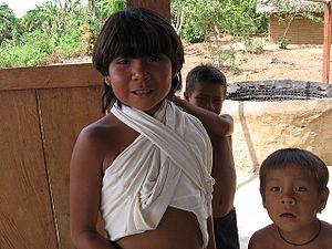 Araweté - Image: Arawete children Brazil