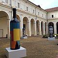 Archi e bottiglie d'artista.jpg